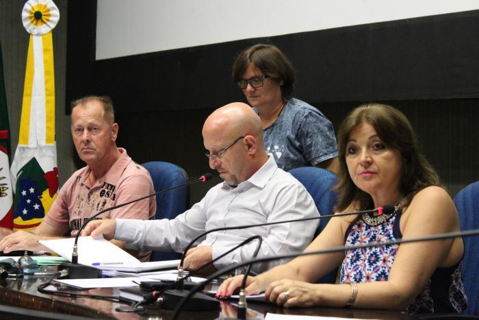 Vereadores voltaram a tratar sobre o PL 044 na reunião das Comissões desta quinta-feira, dia 26
