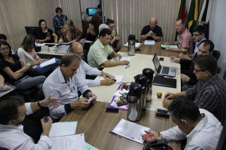 Reunião das Comissões desta terça-feira foi realizada na Sala da Presidência
