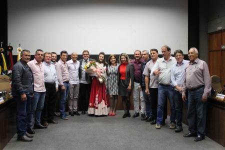Vereadores homenagearam a 1ª Prenda Adulta do RS, Jéssica Thaís Herrera