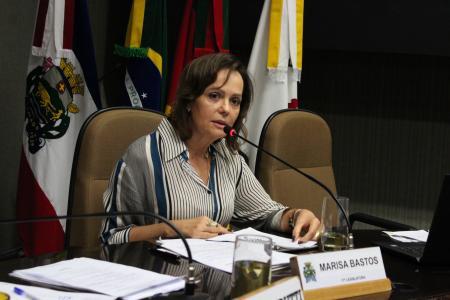 Na sessão ordinária desta terça-feira, a suplente Marisa Bastos (PT) assumiu a cadeira do colega de partido, vereador Sérgio Rambo.