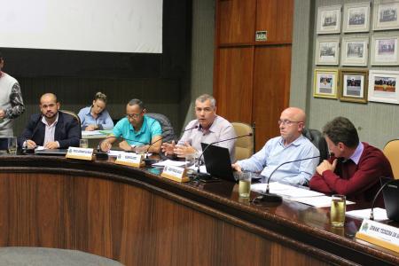 Os suplentes Jones Barbosa da Silva (MDB), o Vavá, e Nestor Dessoy (PSDB), o Nestor da Ambulância, assumiram pelo período de 15 dias.
