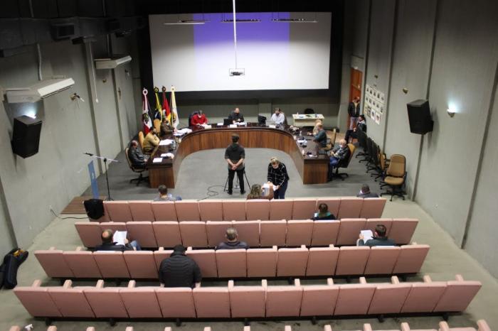 Vereadores retornam às sessões presenciais