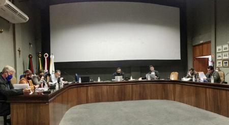 Comissão de Revisão Legislativa faz reunião de avaliação